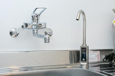 オゾン水を導入し、徹底的な滅菌対策